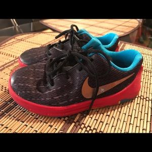 Toddler boy Nike KD sneakers size 9c